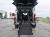 Peugeot Traveller rolstoelbus van Freedom Auto Aanpassingen achterkant oprijplaat omlaag