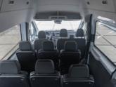 Rolstoellift voor rolstoelbus van Freedom Auto Aanpassingen zetels