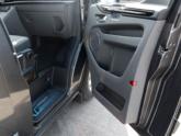 Ford Independence Rolstoelbus van Freedom Auto Aanpassingen deuropening