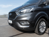 Ford Independence Rolstoelbus van Freedom Auto Aanpassingen voorkant