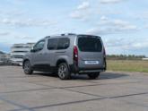Peugeot Rifter rolstoelauto API model van Freedom Auto Aanpassingen achterkant