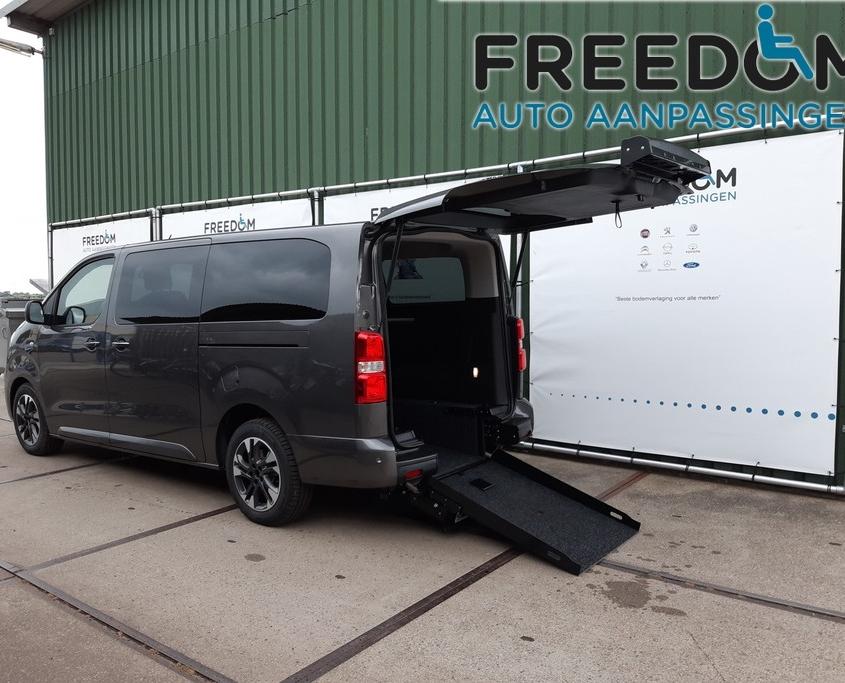 Rolstoel bus met bodemverlaging - Freedom Auto Aanpassingen