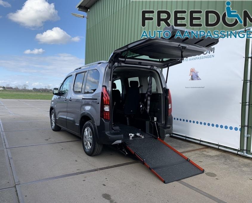 Rolstoelauto - aangepast door Freedom Auto Aanpassingen
